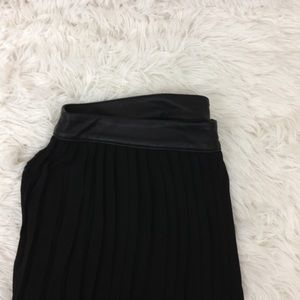 MOSSIMO black pleated skirt w/ faux leather waist