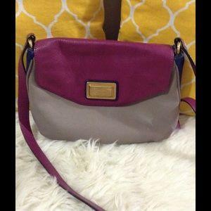 Marc Jacobs Handbags - Marc Jacobs 3 Tone Pebbled Leather Crossbody