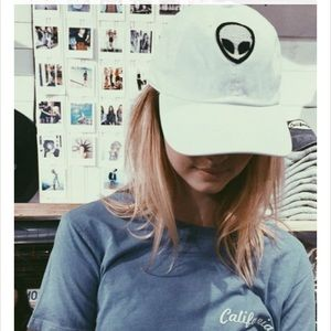 Brandy Melville Alien Katherine cap