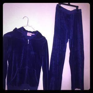 Juicy Couture Other - 🎀🎀JUICY COUTURE VELOUR SWEAT SUIT