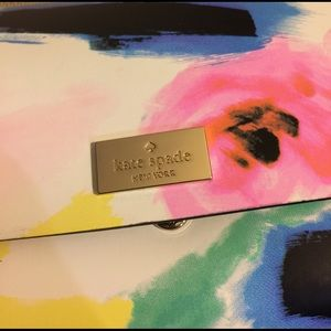 "kate spade Handbags - NEW🎈👩🏽‍🎨KATE SPADE ""PIM"" clutch purse wallet"