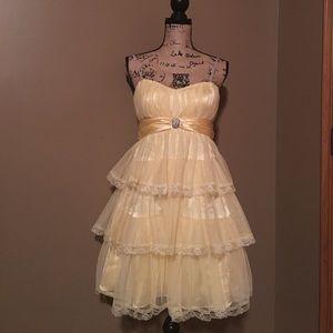 Morgan & Co. Dresses & Skirts - Strapless dress.