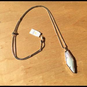 NWT Kendra Scott iridescent Beatrice necklace