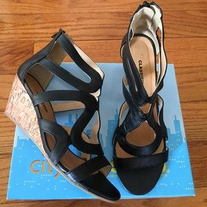 city classified Shoes - City classified black wedged sandal