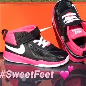 Nike Other - New Toddler Girls Sneaker 💕🦋💕🦋💕🦋💕