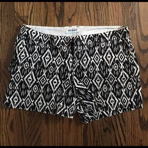 Black & white patterned Shorts!