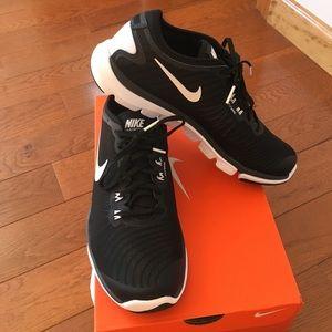 Nike Shoes - ❤ Nike Flex Supreme TR 4 sneakers-black/white