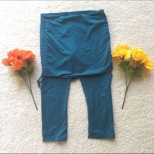 Prana Pants - Prana skirted Capri yoga leggings - S