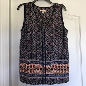 Skies are blue tank from stitch fix. Size large.