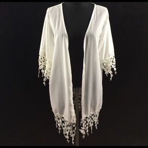 Other - White floral trimmed kimono