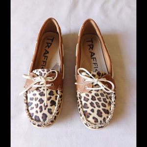 Traffic Shoes - Spectacular Animal Print Loafer Shoes W/Ties