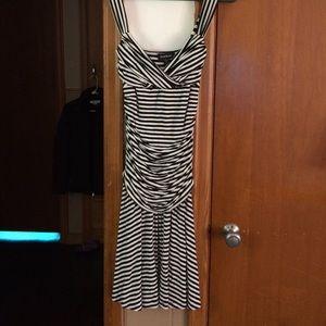Bebe dress, adjustable shoulders. Sexy fit