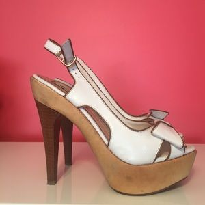 Steve Madden wood & leather platform sandals