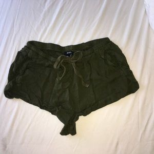FOREVER 21 Super-Soft Army Green Shorts size S
