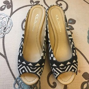 NWOB - CL by Laundry Wedge Peep Toe Shoes