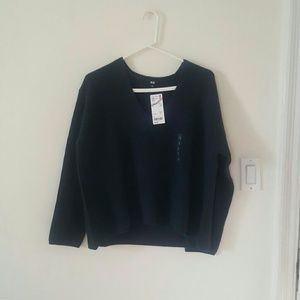 NWT Uniqlo cashmere blend vneck sweater