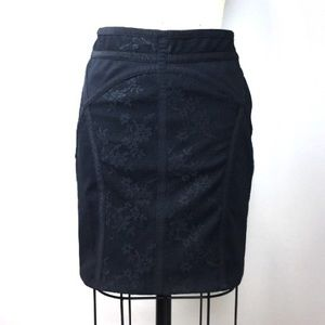 FREE PEOPLE mini lace stretch black skirt