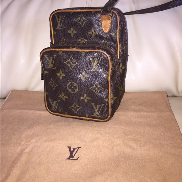 703c6b4f13e8 Louis Vuitton Handbags - 💯Authentic Louis Vuitton Mini Amazon cross body