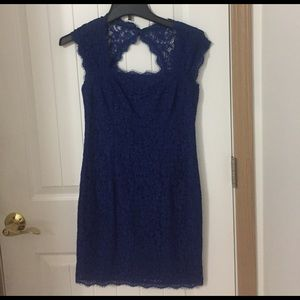 Gorgeous Adrianna Papell blue lace dress