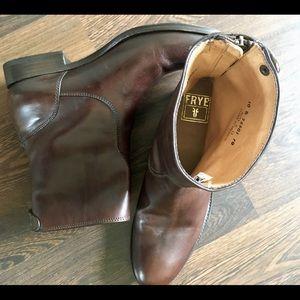 Frye Shoes - 🌶HOT DEAL🌵 NWOB Frye Melissa Button Zip Boots