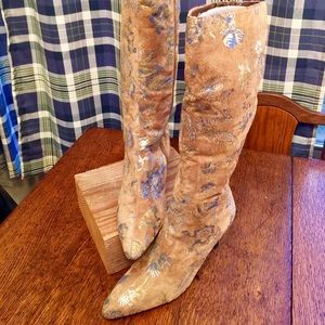 Spiegel Shoes - Tan Metallic Patterned Suede Boots
