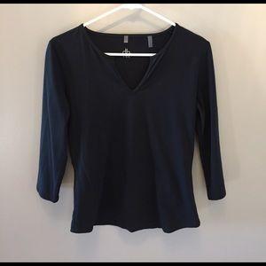 Tops - NWOT Black db tee brand stretchy shirt
