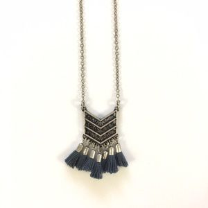  LISTING Tassel Necklace