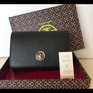 Tory Burch Handbags - Tory Burch ROBINSON MEDIUM FLAP WALLET