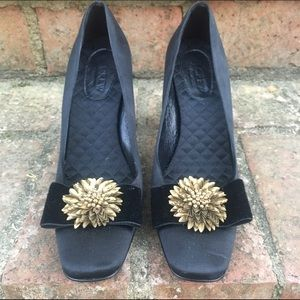 J.Crew Collection Black pumps with bronze flower