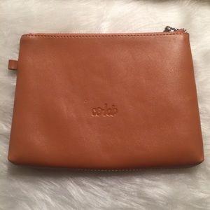 ⚫️ NWOT Leather Co-Lab Zipper Medium Pouch⚫️