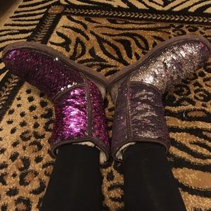 UGG Shoes - 🎉1 day SALE🎉 Uggs boots reversible sequin