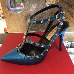 Valentino rockstuds Metallic blue size 40