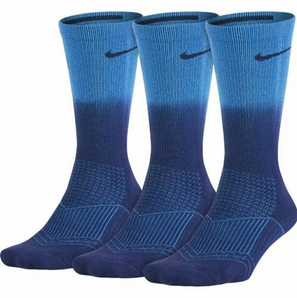 192227dd59 Nike Women's Socks Dri-FIT Cushion 3-Pack Boutique