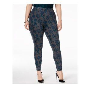 HUE Pants - NWT HUE Mod Floral Denim Leggings Sz XXL