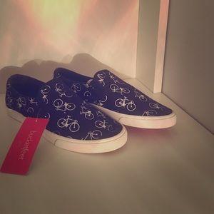 Bucket Feet Shoes - Bucketfeet - Slip on - canvas sneakers