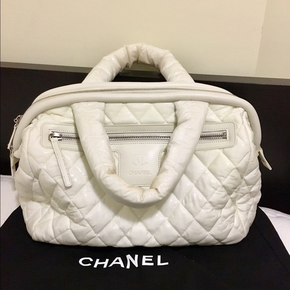 e67597bfd47d CHANEL Handbags - Authentic Chanel cocoon bag