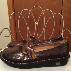 Allegra K Shoes - Brand new Alegria shoes with Velcro closure❤