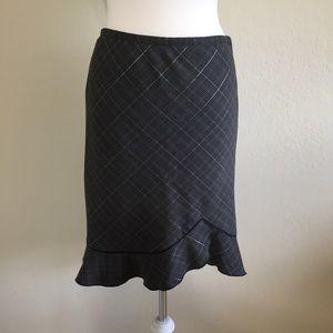 White House Black Market Dresses & Skirts - White House Black Market Pencil Skirt Size 4