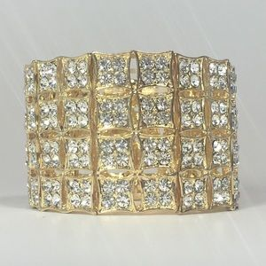 🍁Wilshire Bracelet - Gold Tone w/ Clear Crystals