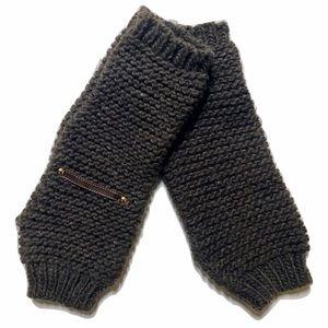 Tarnish Accessories - Tarnish Fingerless Gloves. NEW!!!