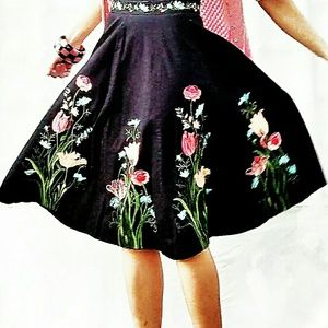 Vintage applique Black Floral Circle Skirt-2