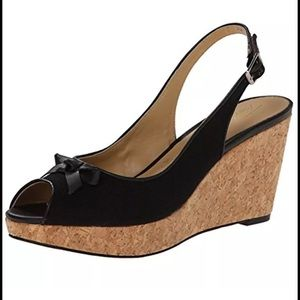 Trotters Shoes - Women's black wedge sandals shoes 9.5 Trotters NEW