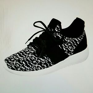 The relax sneakers in black