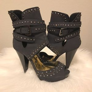 Not Rated Shoes - NOT RATED women's grey/black peep toe heels w/stud