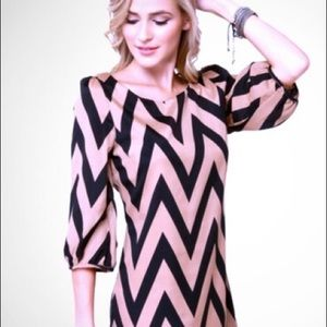 Lulus Black & Tan Chevron Shift Dress Sz Sm