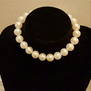 FAUX PEARLS choker necklace