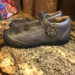 Jumping Jacks Other - Girl's pewter shoe