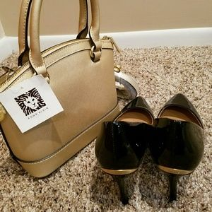 Calvin Klein Black Patent & Gold Tag Pumps
