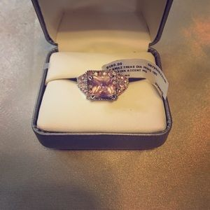 Jewelry - 💍 Pink Diamond Princess Cut Ring