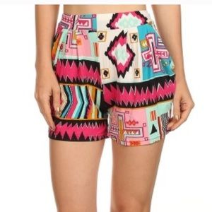 Pants - Printed shorts with pockets